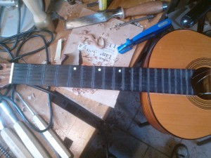 guitare fret incrustation