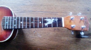incrustation ukulele alu