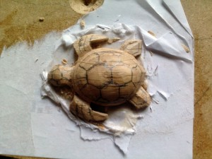 detail tortue bois sculpté