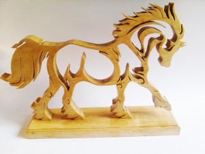 cheval chantourner en sicomore
