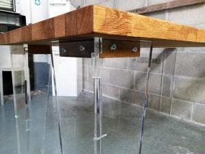 assemblage table bois et plexiglas